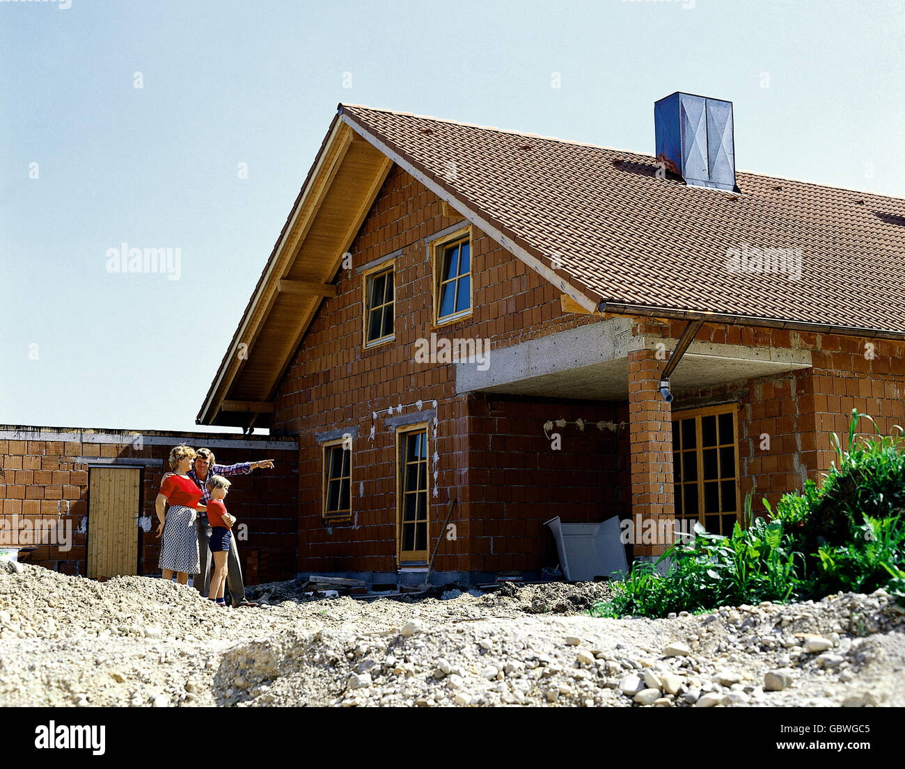 Detached House Under Construction Roof Stockfotos & Detached House ...