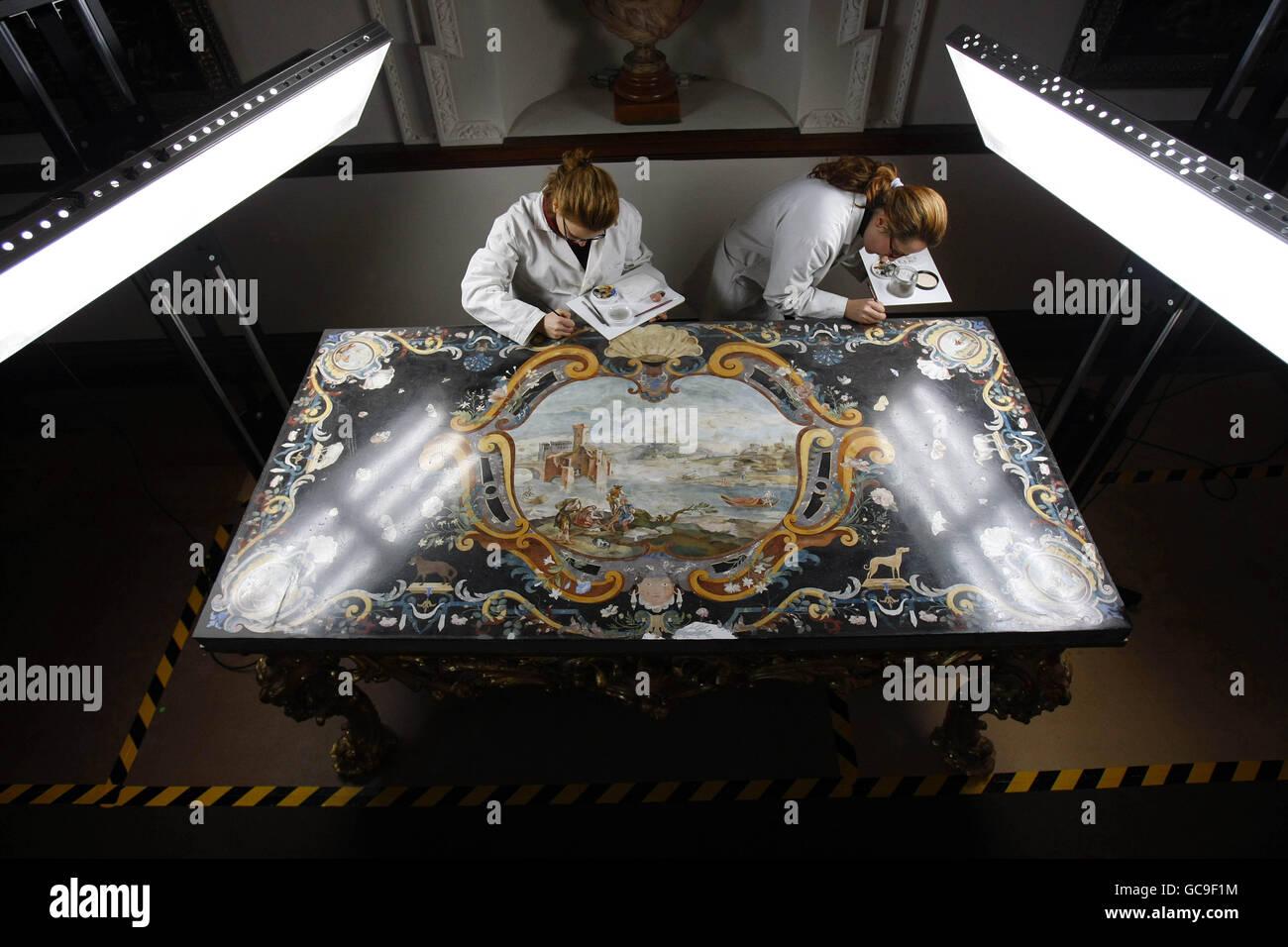 Möbelrestauration c18 möbelrestauration stockfoto bild 110847456 alamy