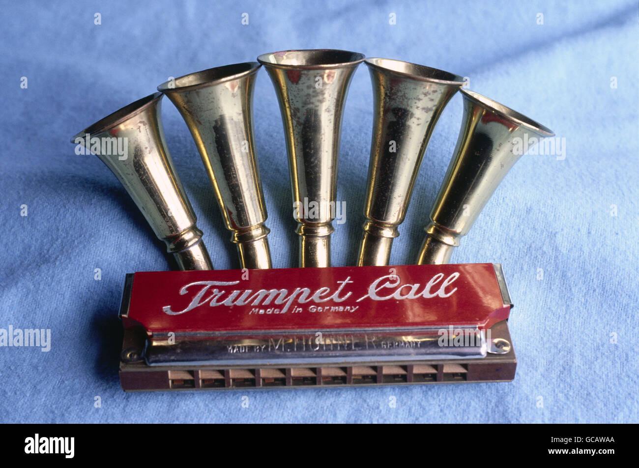 """Historische Mundharmonika """"Trumpet call"""" von Hohner Stockbild"""