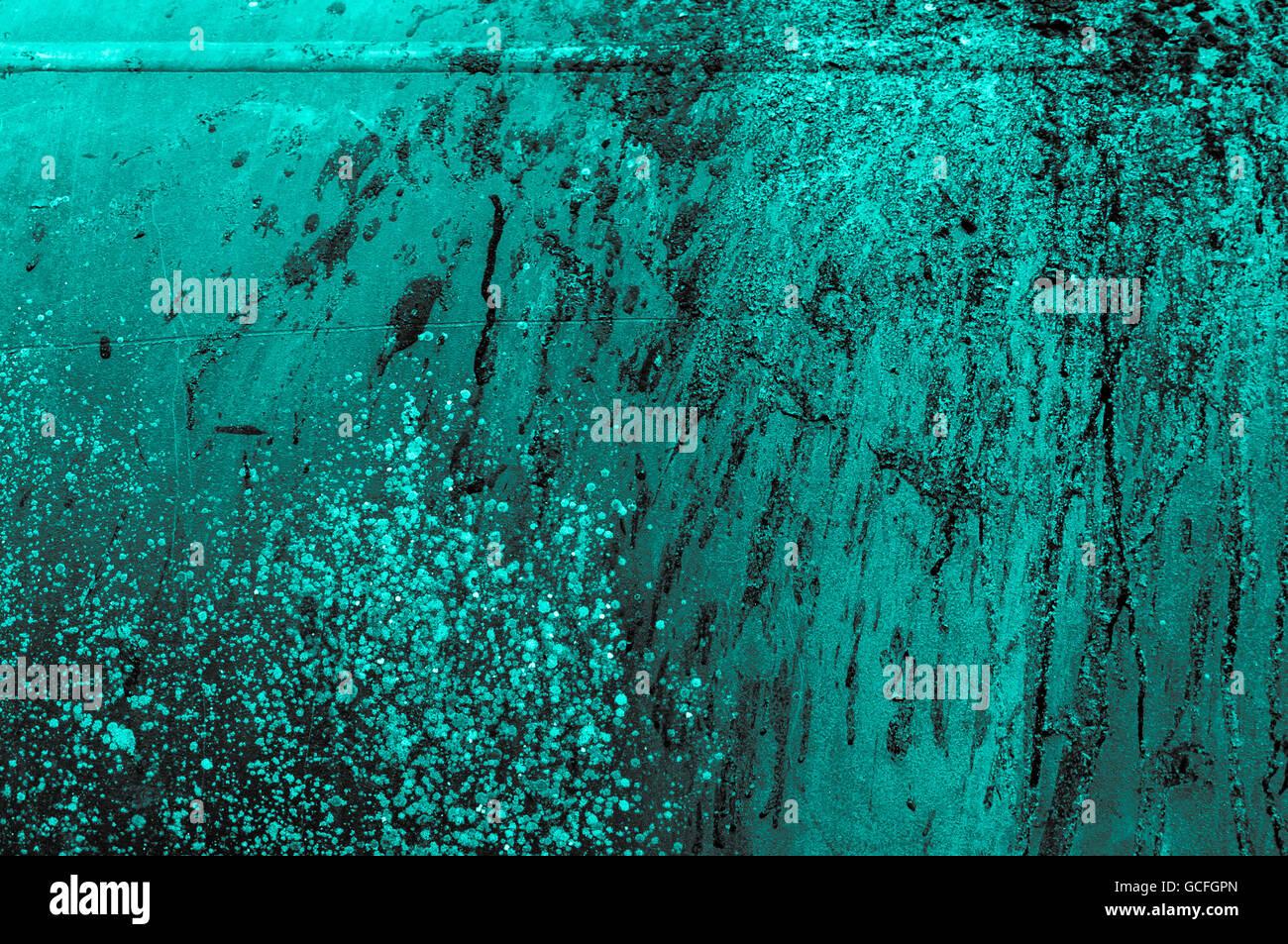 alte rostige Türkis grau Graustufen Eisen Metall Wand mit Farbe bespritzt Stockbild