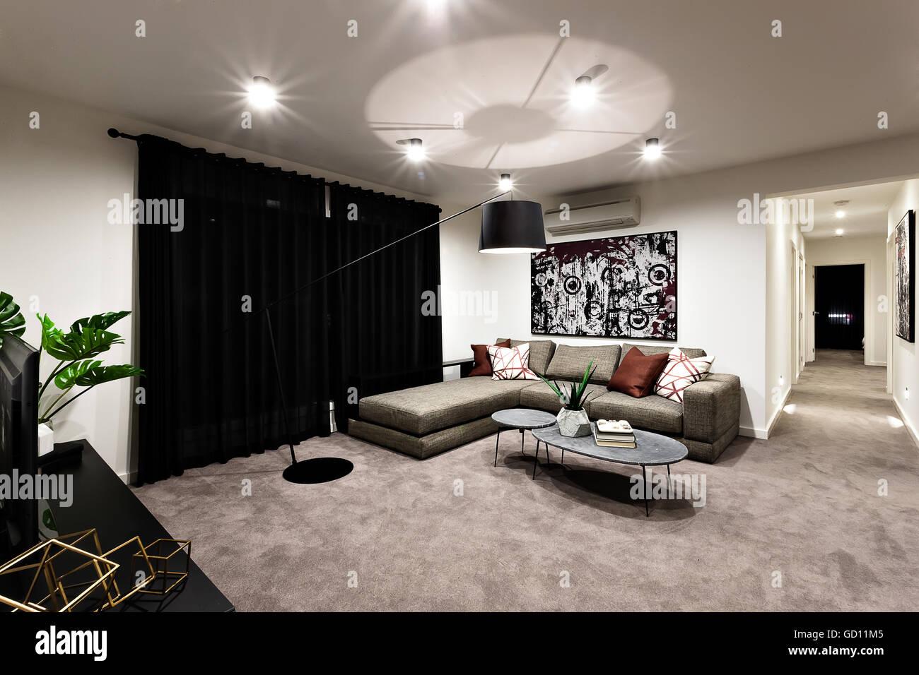 schwarzer vorhang. Black Bedroom Furniture Sets. Home Design Ideas