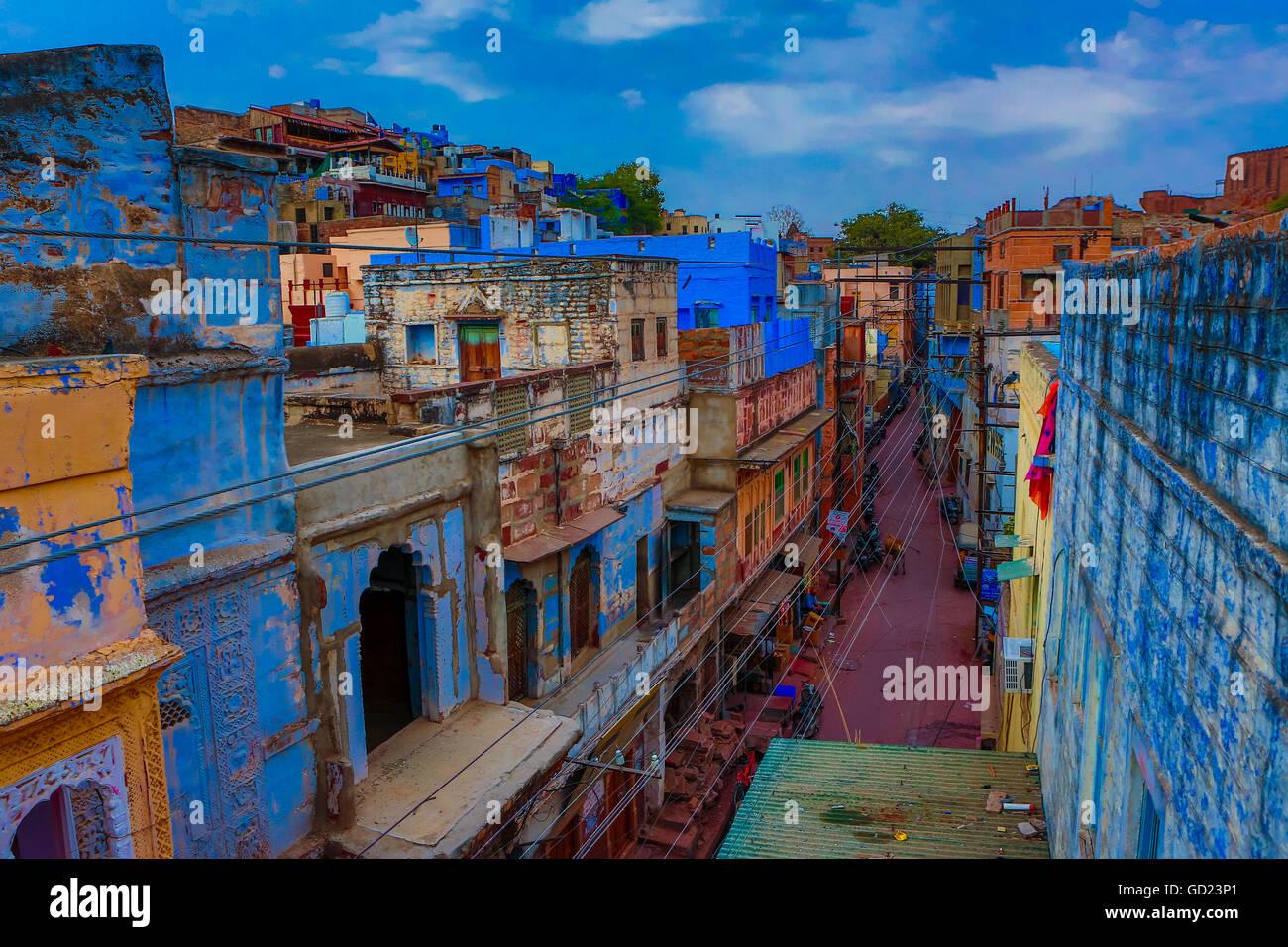 Die blauen Dächer in Jodhpur, die blaue Stadt, Rajasthan, Indien, Asien Stockbild