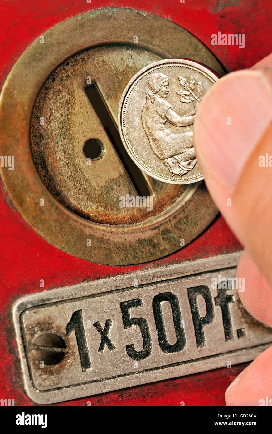 Geldfinanzen Münzen 50 Pfennig Geld In Einem Alten