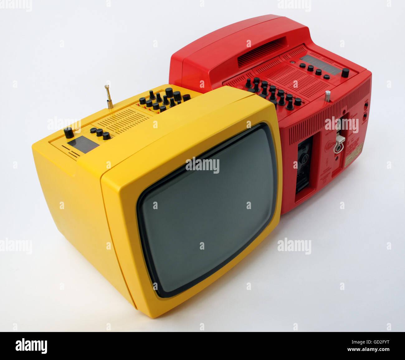 rundfunk fernsehen fernseher tragbare fernseher radio. Black Bedroom Furniture Sets. Home Design Ideas