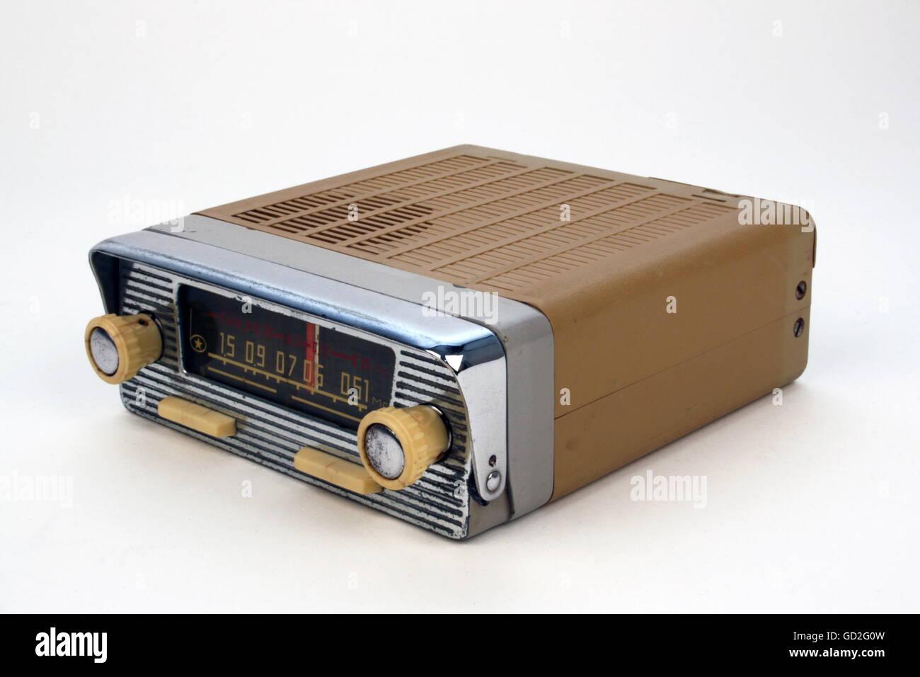 ausgestrahlt, radio, radio Set, tragbarer Autoradio Berlin A 110, Design: Design von Fabrik, Empfangsbereich: MW/LW, Stockbild