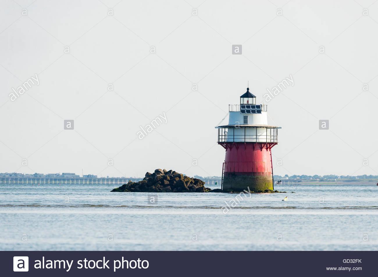 Fehler-Licht in der Nähe von Eingang nach Plymouth harbor Stockfoto