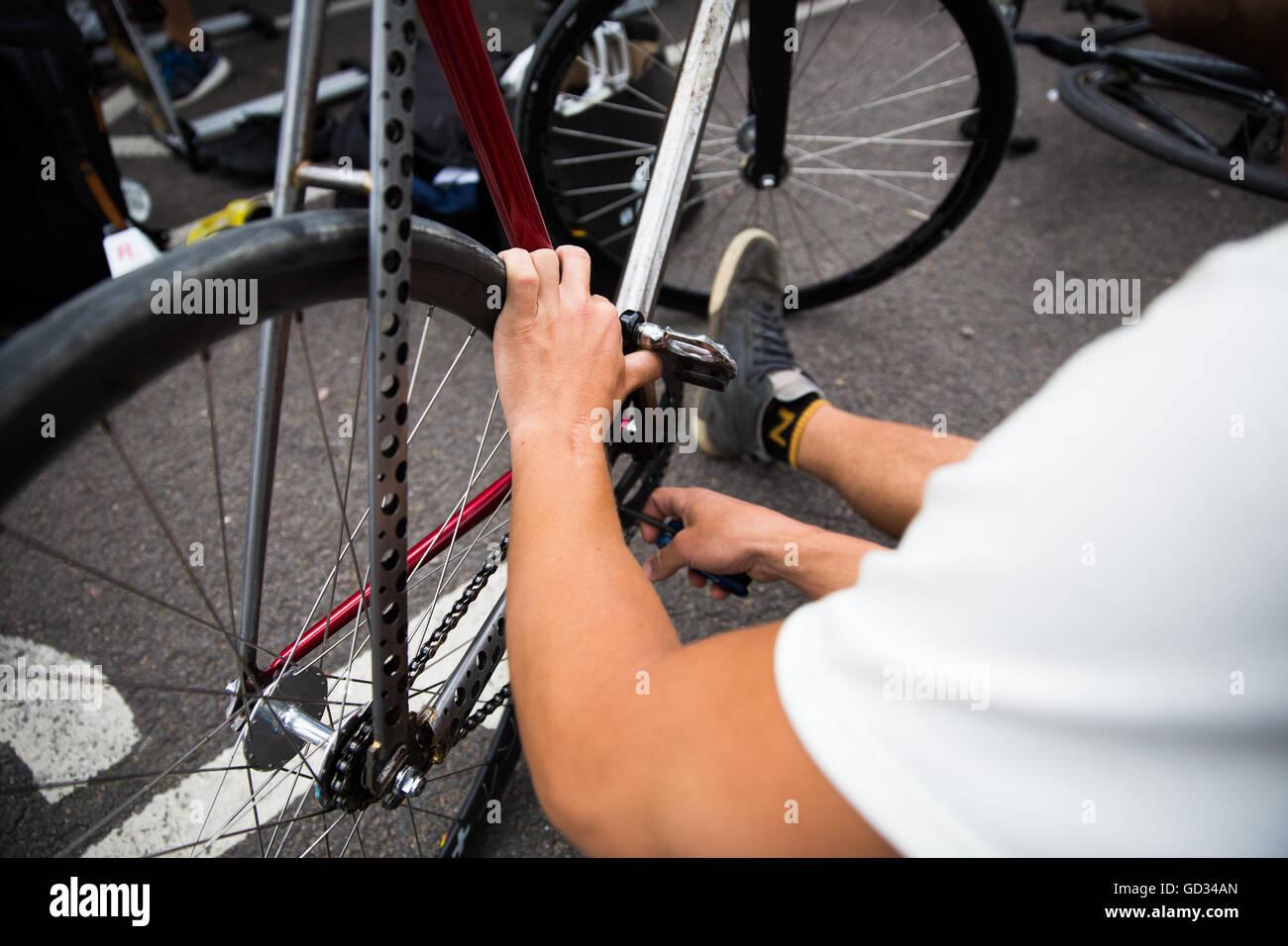 Großartig Fahrradrahmen Malerei London Galerie - Benutzerdefinierte ...