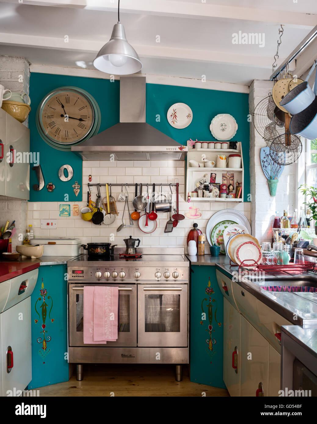 vielseitige k che mit 50er jahre englische rose einheiten und st giles blue von farrow ball. Black Bedroom Furniture Sets. Home Design Ideas