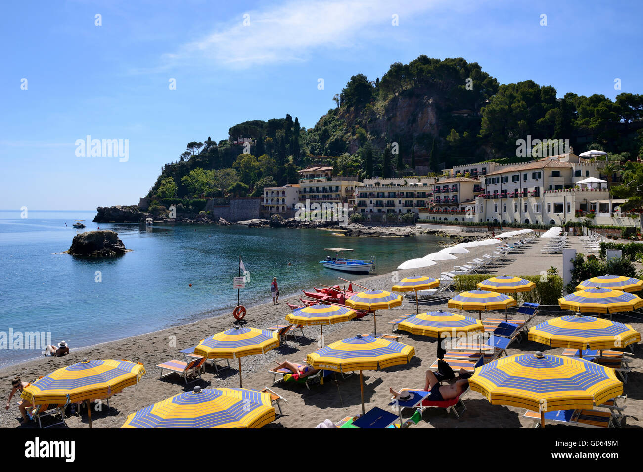 Mazzaro Strand - Taormina, Sizilien, Italien Stockbild