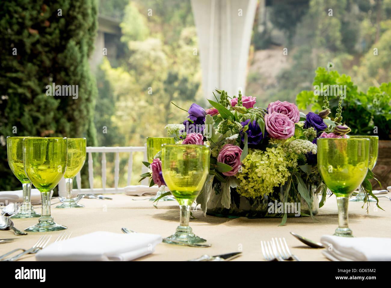 Formale Tischdekoration Fur Eine Hochzeit Mit Floralen Herzstuck Und