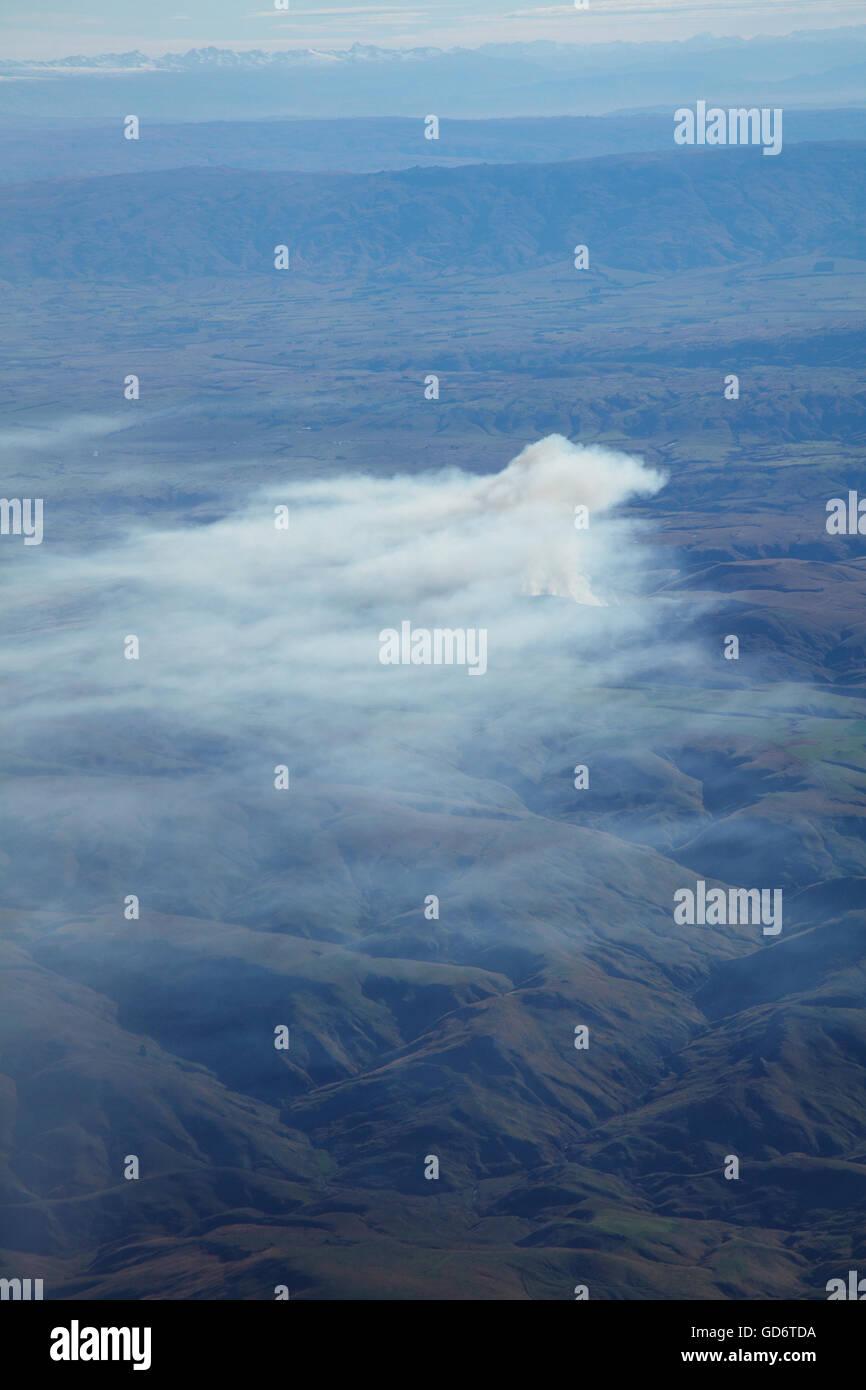 Abbrand in der Nähe von Nenthorn, in der Nähe von Dunedin, Otago, Südinsel, Neuseeland - Antenne Stockbild