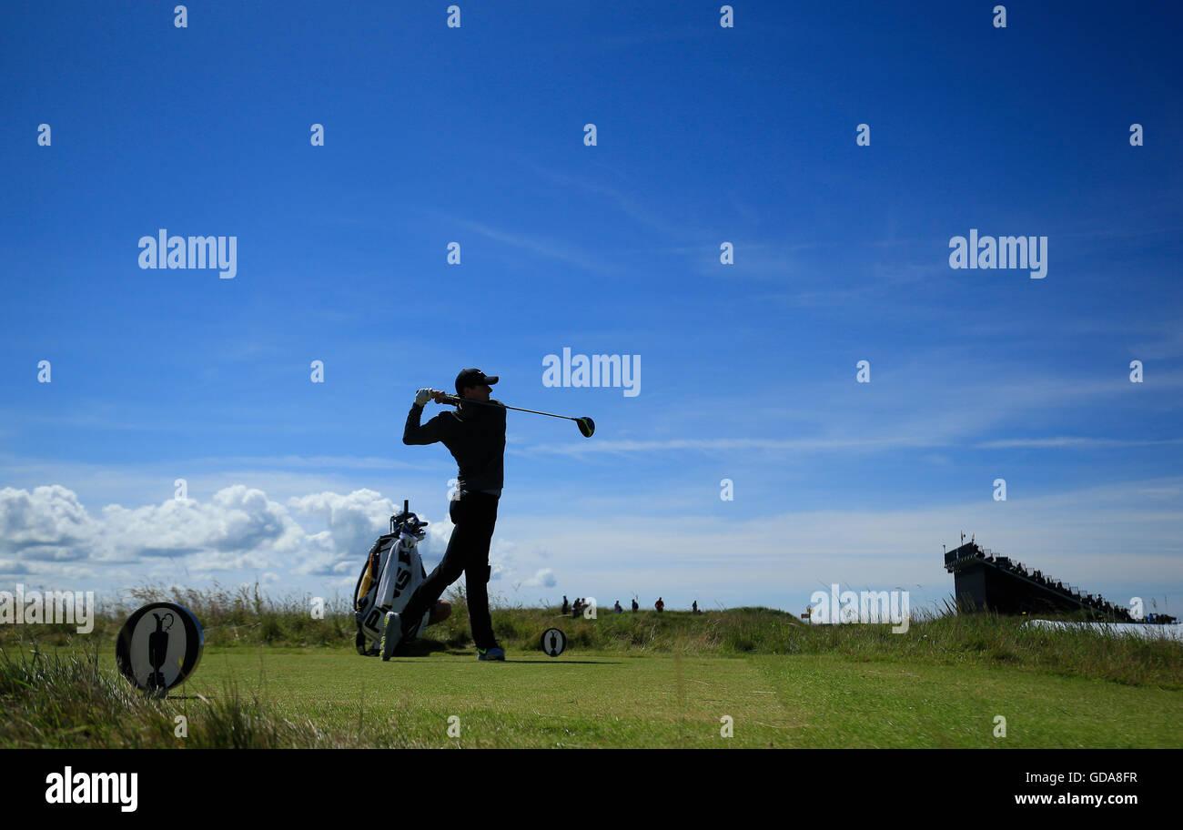 Northern Ireland Rory McIlroy am 13. während eines der The Open Championship 2016 im Royal Troon Golf Club, Stockbild