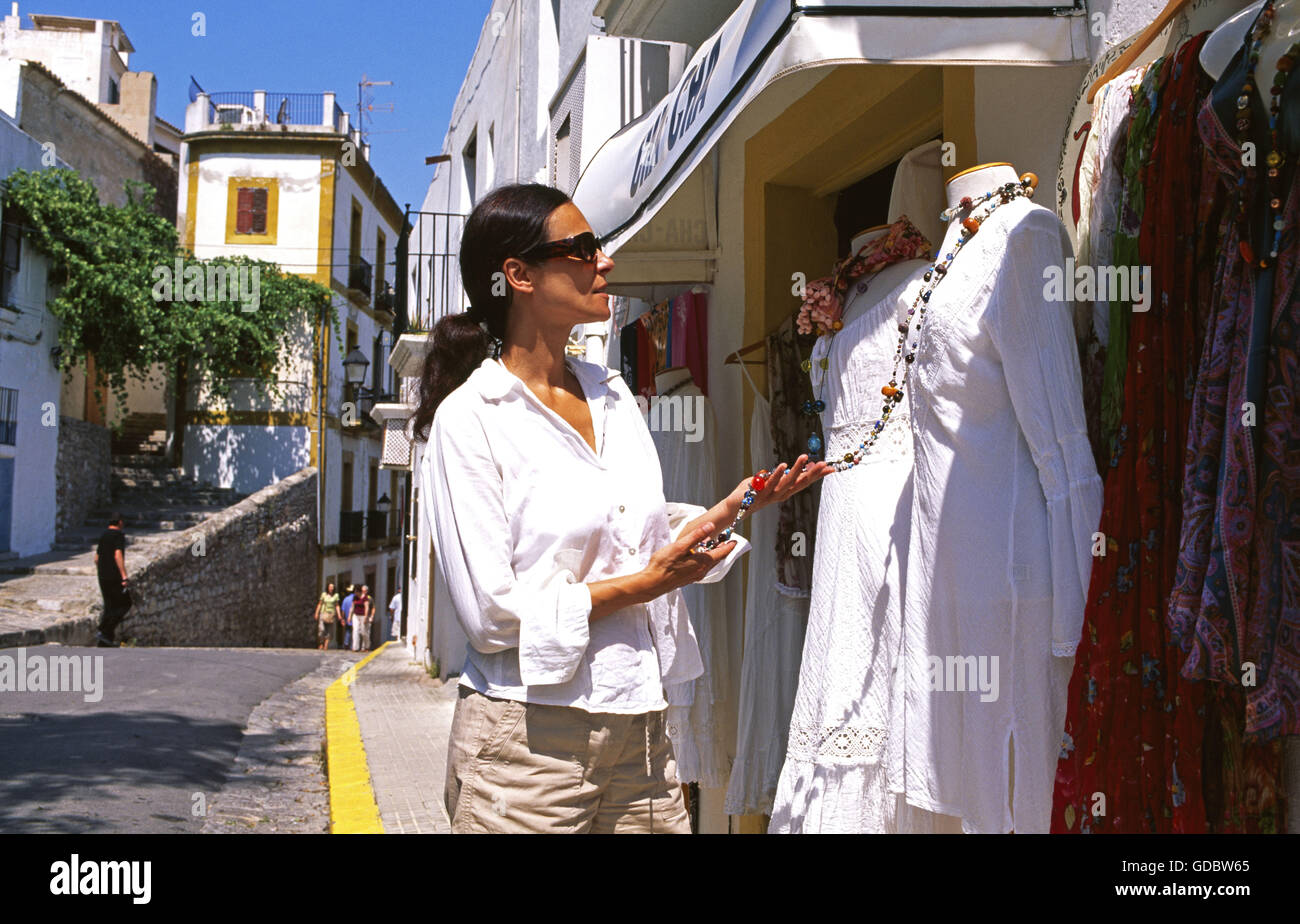 ibiza old town people stockfotos ibiza old town people bilder alamy. Black Bedroom Furniture Sets. Home Design Ideas