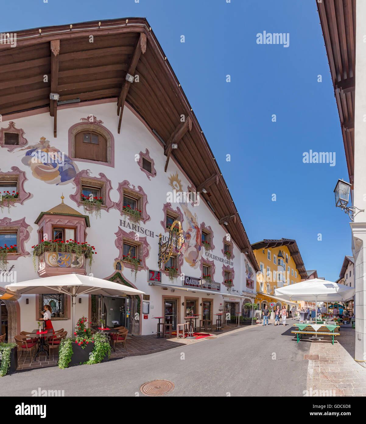 Kitzbühel, Österreich, dekoriert-Hotel, Pension in der Hinterstadt Straße Stockbild