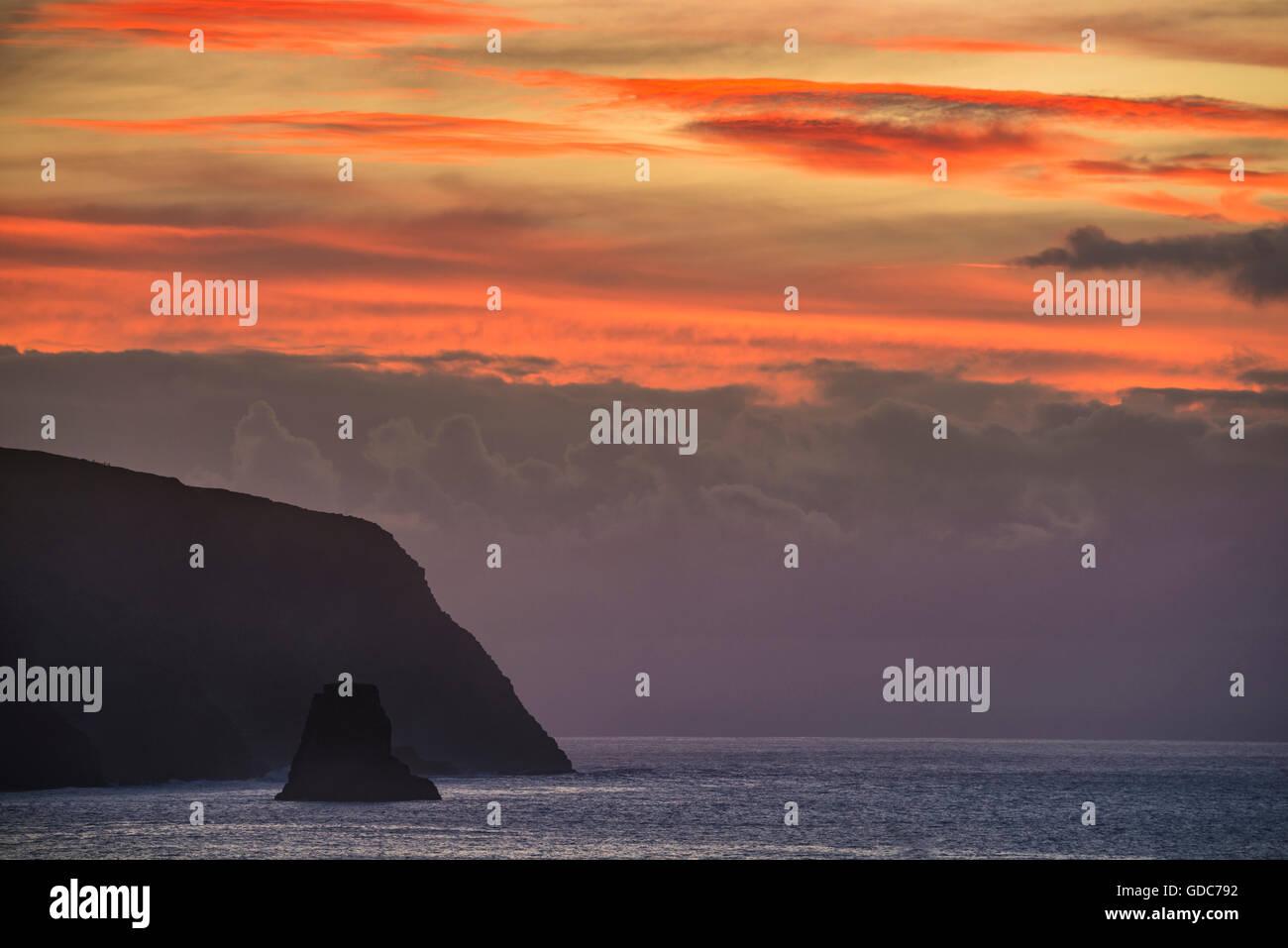 Südamerika, Chile, Osterinsel, Isla de Pasqua, Südpazifik, UNESCO, Welterbe, Sonnenaufgang Stockbild