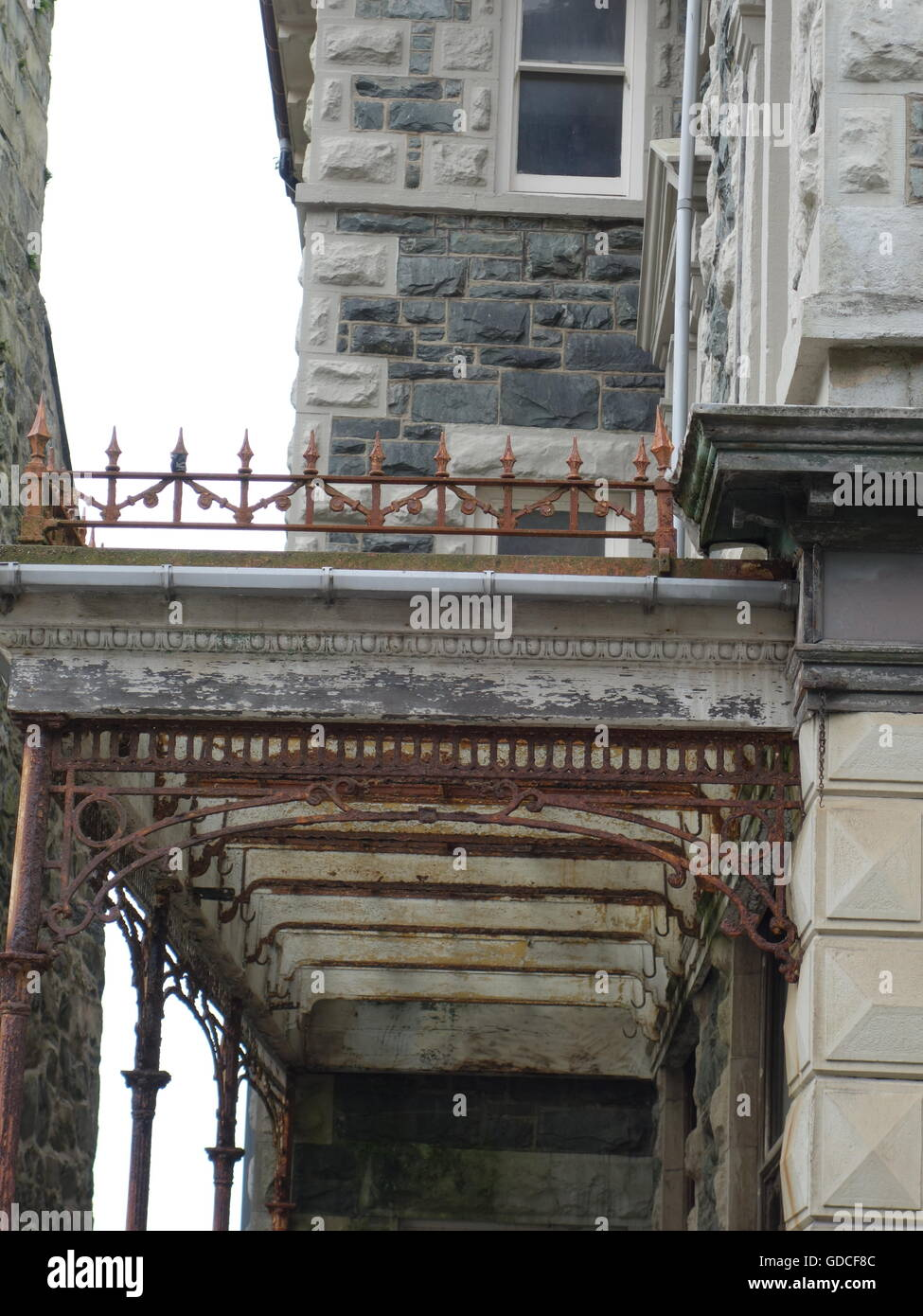 Ein altes rustikales Markise oder Dach-Terrasse-design Stockfoto ...