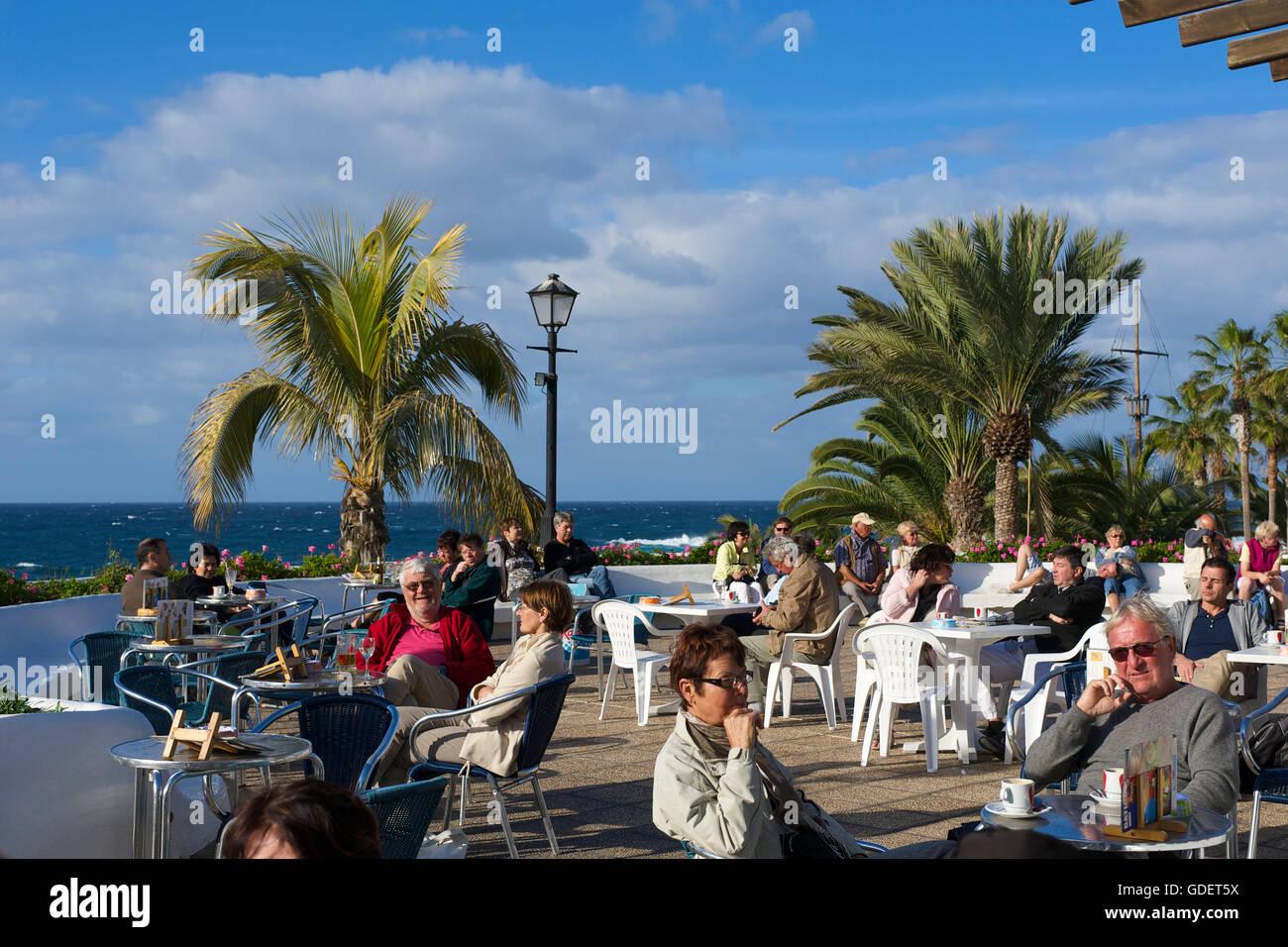 Straße Cafe in Puerto De La Cruz, Teneriffa, Kanarische Inseln, Spanien Stockfoto