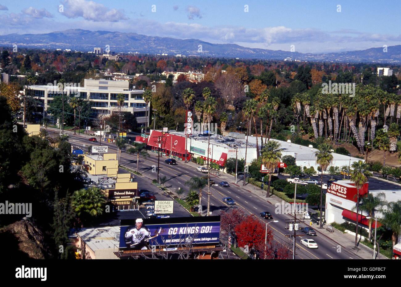 Ventura Blvd. in Studio City in San Fernando Valley etwa Ende der 1990er Jahre Stockbild