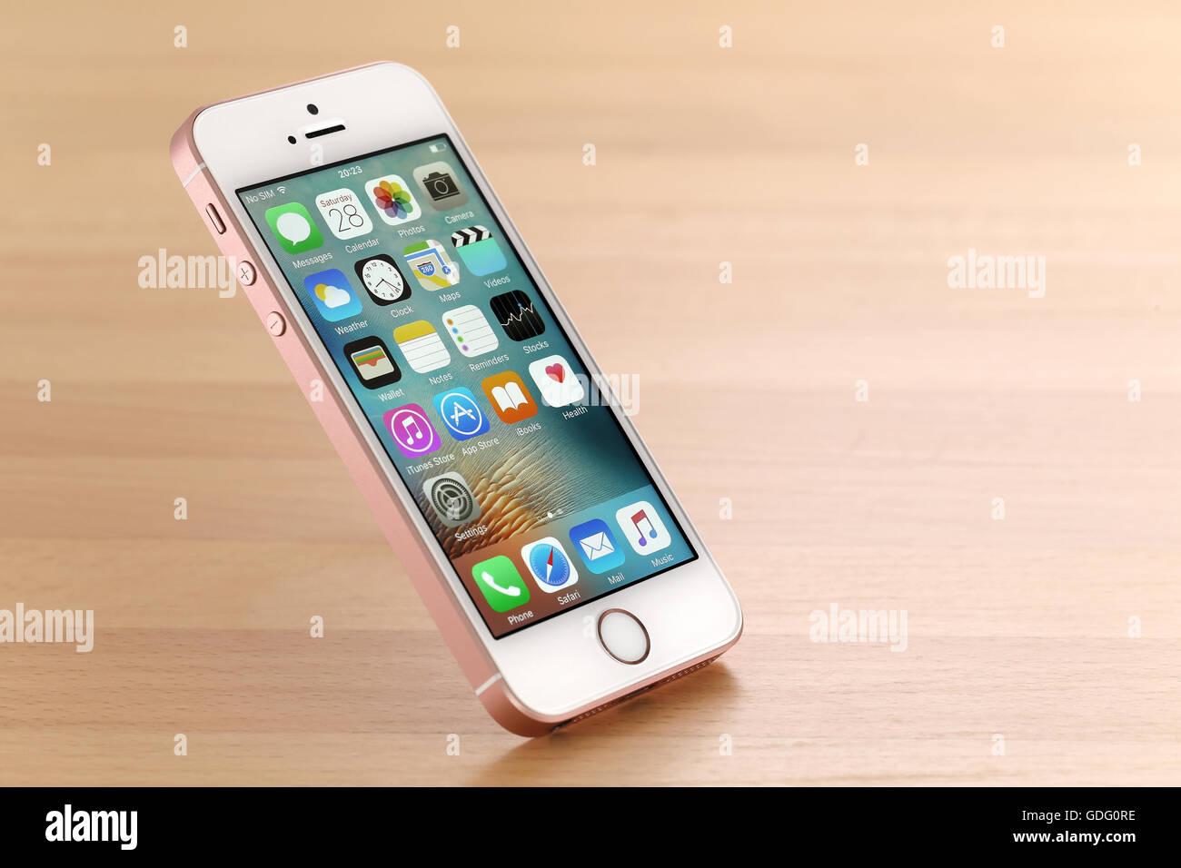 Rosa iPhone SE Stockbild
