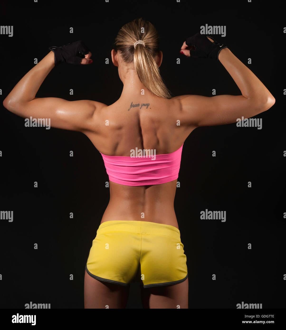 Schön bodybuilder frau hafen im