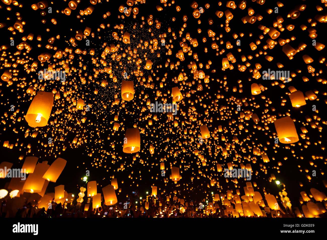 Yee Peng Festival, Loy Krathong fest mit mehr als eintausend ...
