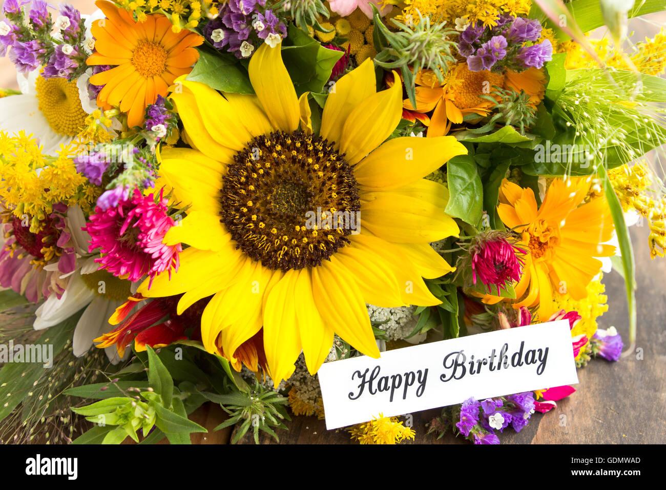 Happy Birthday Card Mit Bouquet Von Sommerblumen
