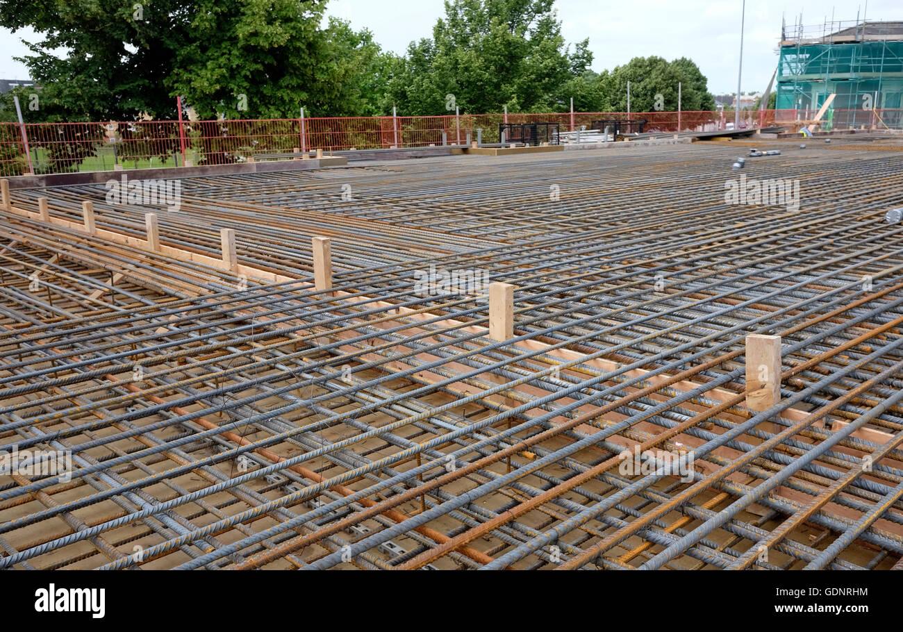Reinforcing Steel Bars Stockfotos & Reinforcing Steel Bars Bilder ...