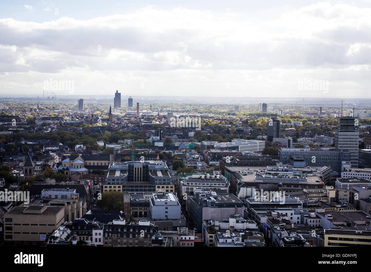 Die Stadt Koln Von Einer Aussichtsplattform Im Turm Der Kolner Dom In Koln Gesehen Stockfotografie Alamy