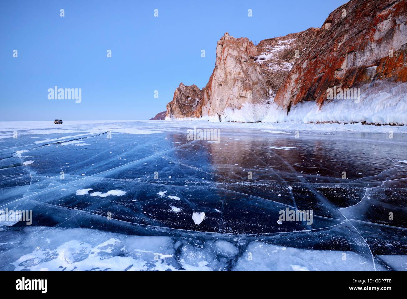 Kap Sagan-Khushun und drei Brüder Rock, Baikalsee, Olchon, Sibirien, Russland Stockbild