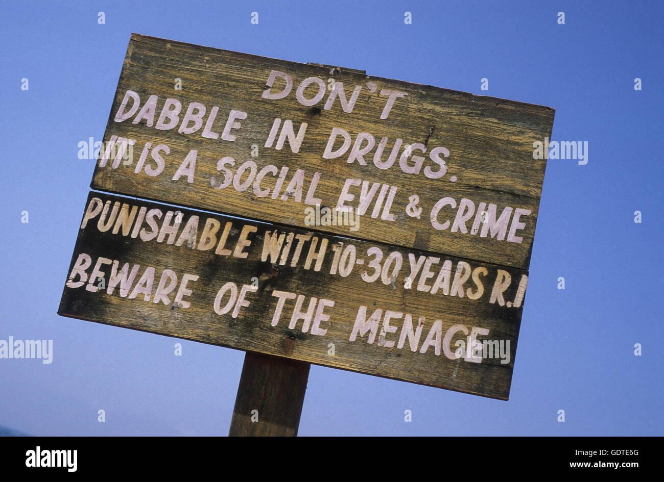eine Warnung an Drogen in das Dorf Anjuan in Goa in Indien zu nehmen. Stockbild
