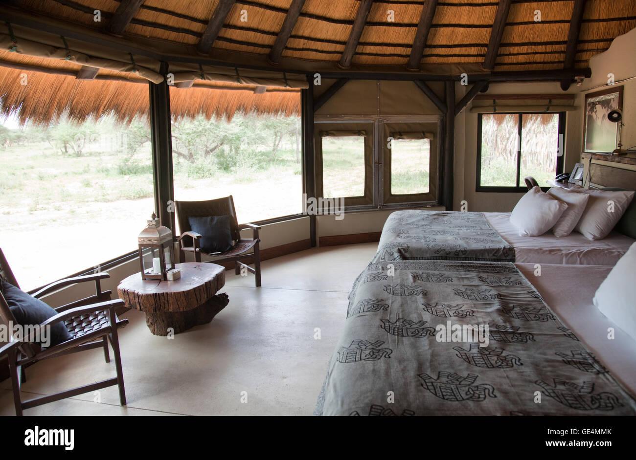 Hervorragend Luxus Chalet Schlafzimmer Mit Landschaftsansichten Okonjima Bush Camp In  Namibia