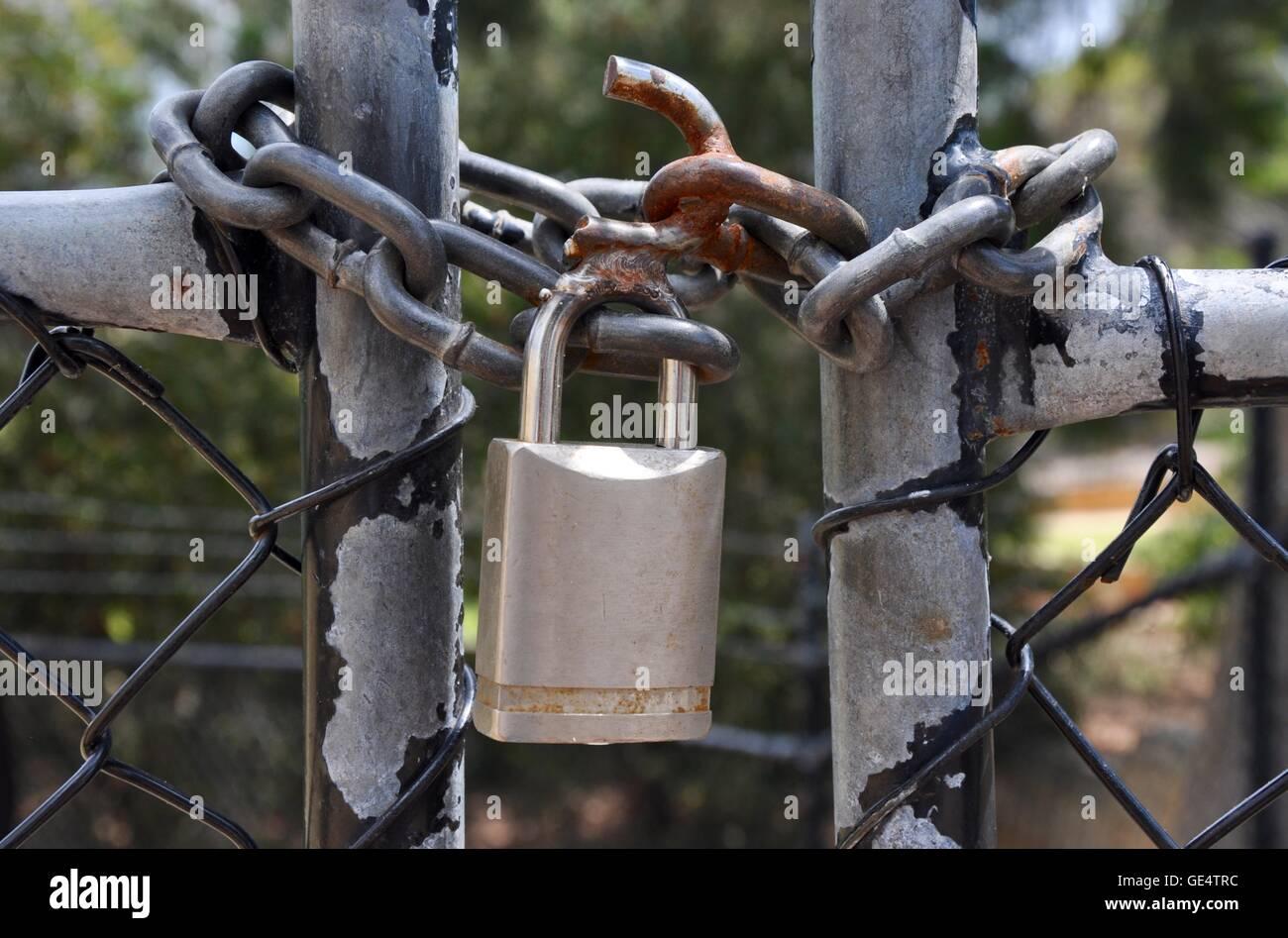 Chain Link Fencing Stockfotos & Chain Link Fencing Bilder - Alamy