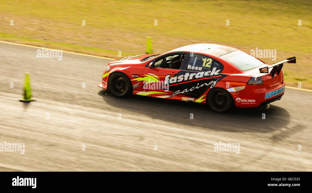 Sydney Motorsport Park, Eastern Creek, Australien am 16. Juli 2016: kommerzielle Rennen V8 Limousine bei einem Renn Stockbild