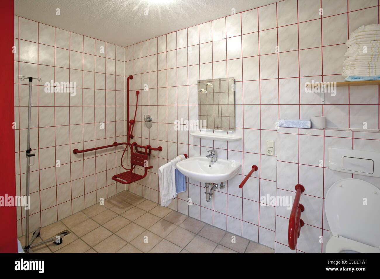 Behinderten Badezimmer in ein alter Heimat, Kindergarten nach Hause ...