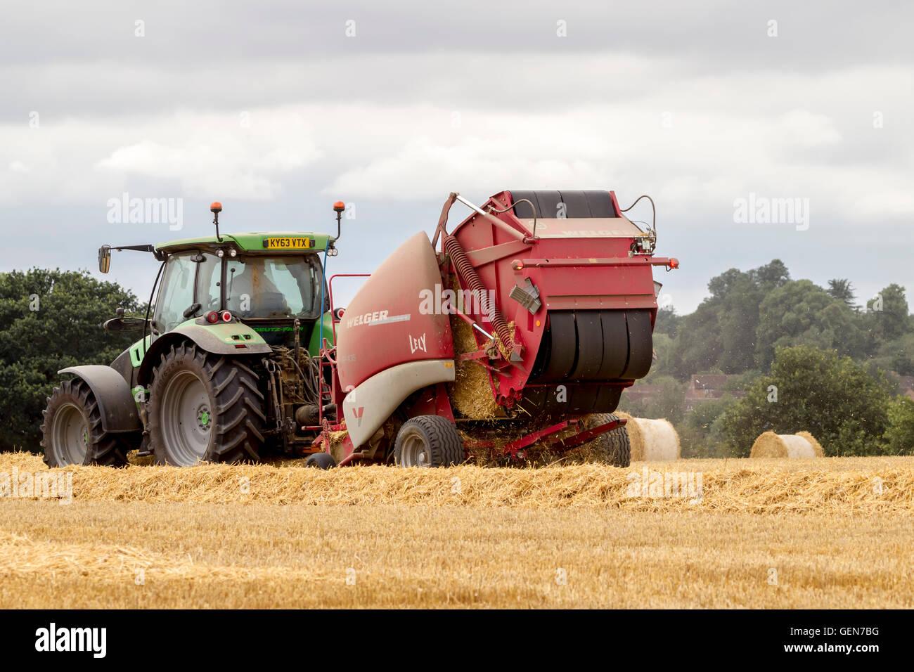 Baler Machine Stockfotos & Baler Machine Bilder - Alamy