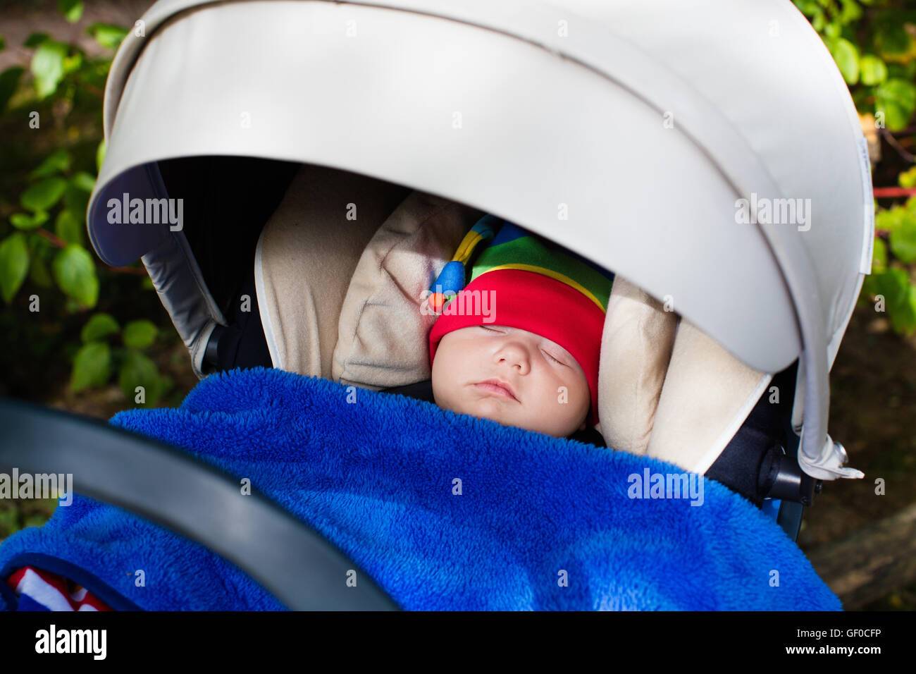 sleeping toddler automobile stockfotos sleeping toddler automobile bilder alamy. Black Bedroom Furniture Sets. Home Design Ideas