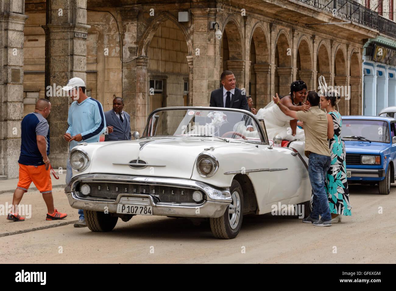 39 just married 39 vintage car stockfotos 39 just married Kuba dekoration
