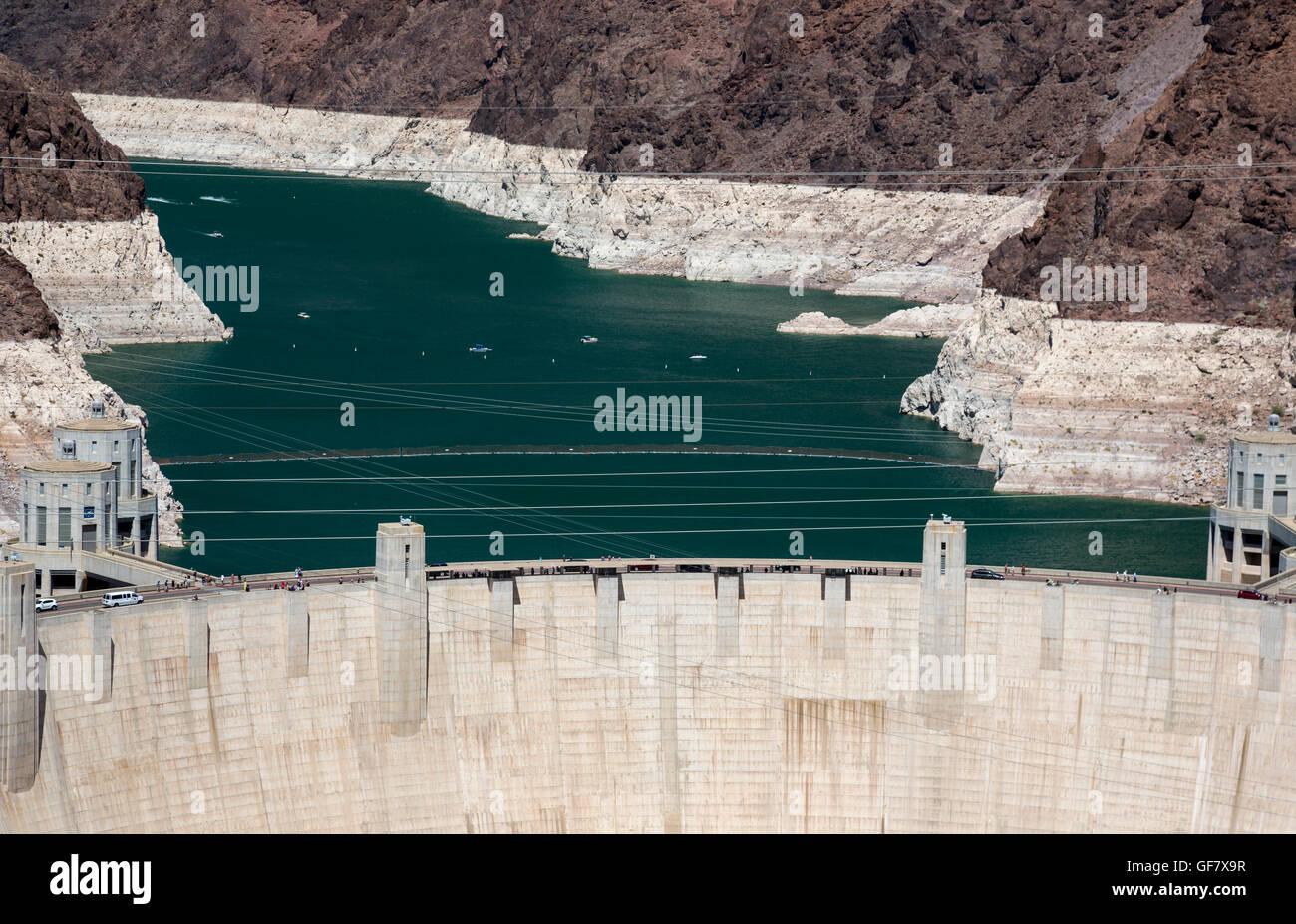 """Las Vegas, Nevada - Hoover-Staudamm und Lake Mead darüber hinaus. Die weiße """"Badewanne Ring"""" Stockbild"""