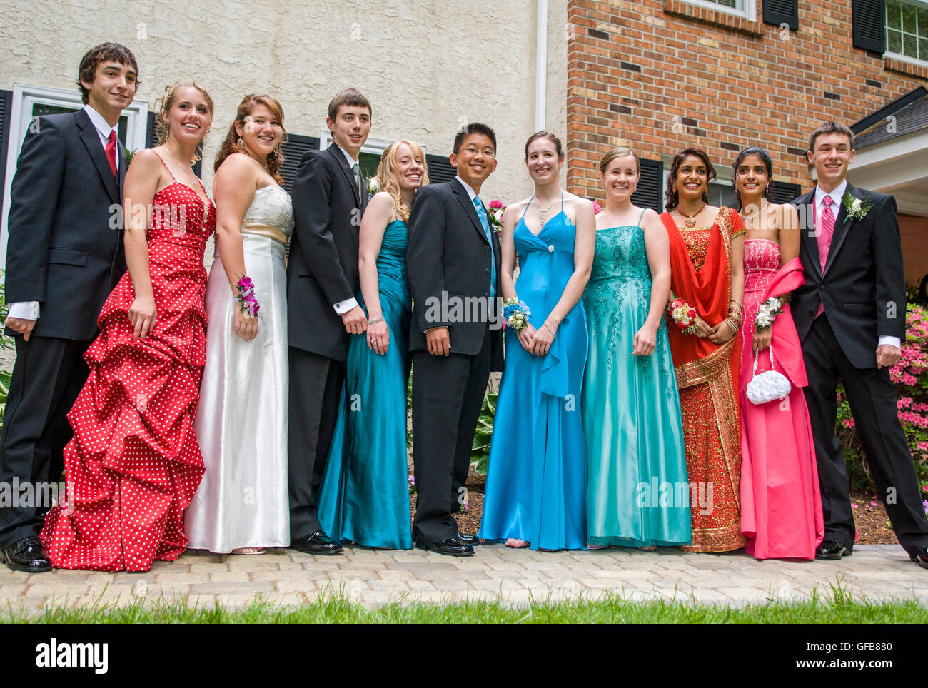 Formal Dresses Stockfotos & Formal Dresses Bilder - Alamy