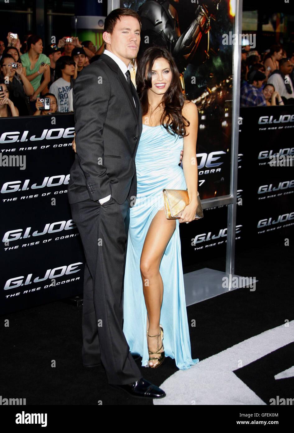 """Channing Tatum und Jenna Dewan auf der Los Angeles Premiere von """"G.I. Joe: The Rise of Cobra"""" statt, bei dem Grauman Stockfoto"""