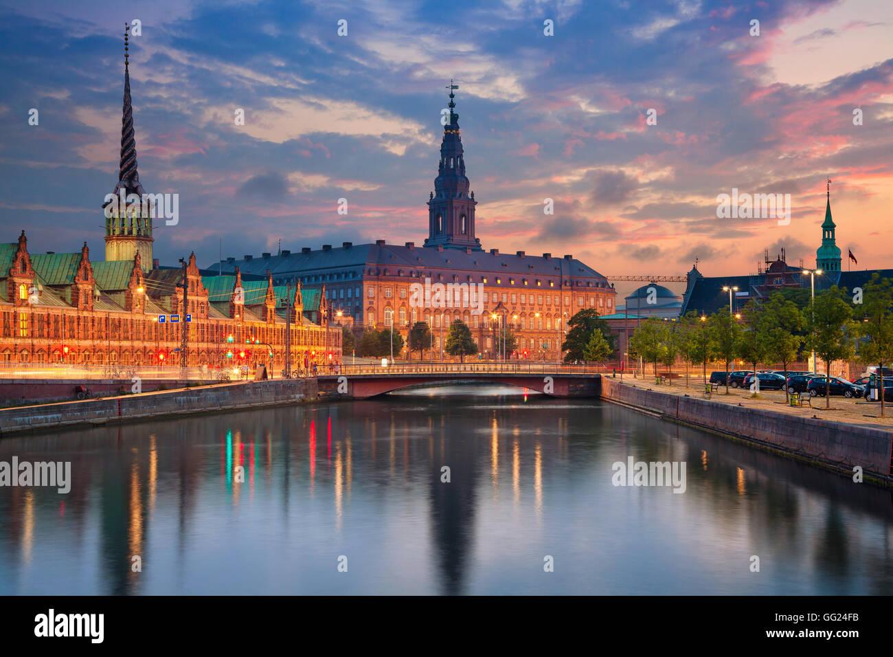 Kopenhagen. Bild von Kopenhagen während der blauen Dämmerstunde. Stockbild