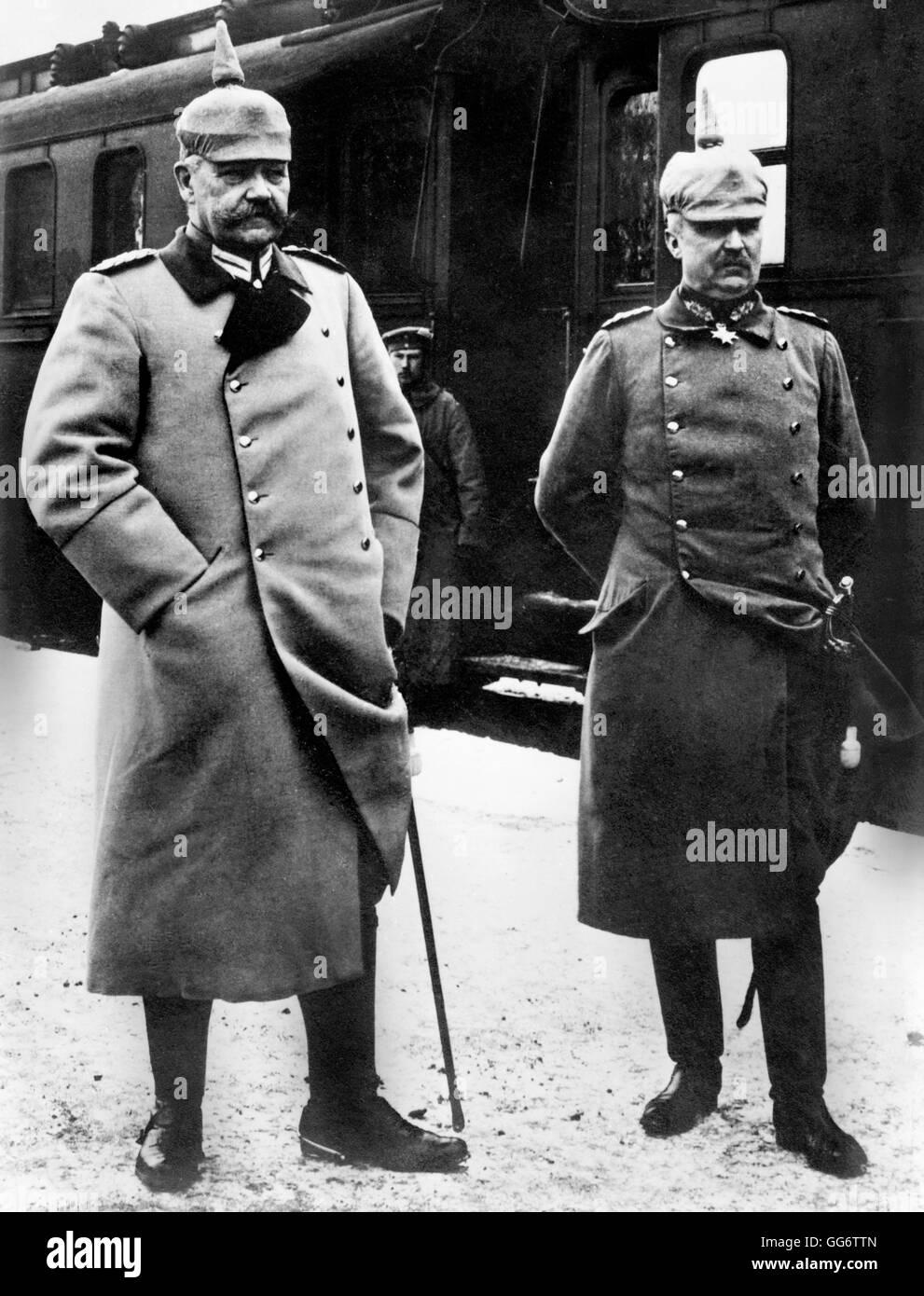 Generalfeldmarschall Paul von Hindenburg (1847-1934), Chef des deutschen Generalstabs, und seines Stellvertreters, Stockbild
