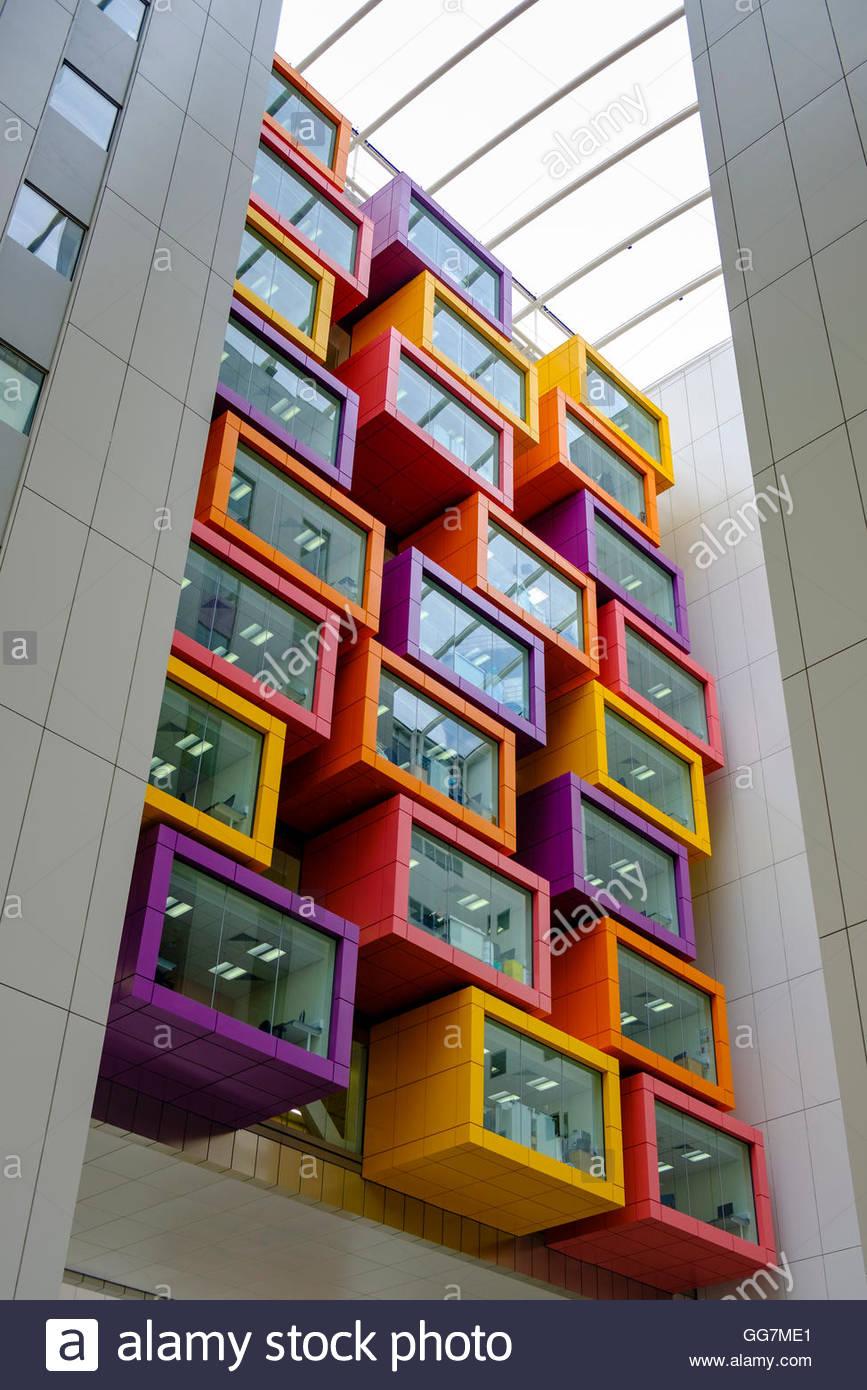 Innenansicht der neuen Queen Elizabeth University Hospital in Glasgow, Vereinigtes Königreich Stockbild