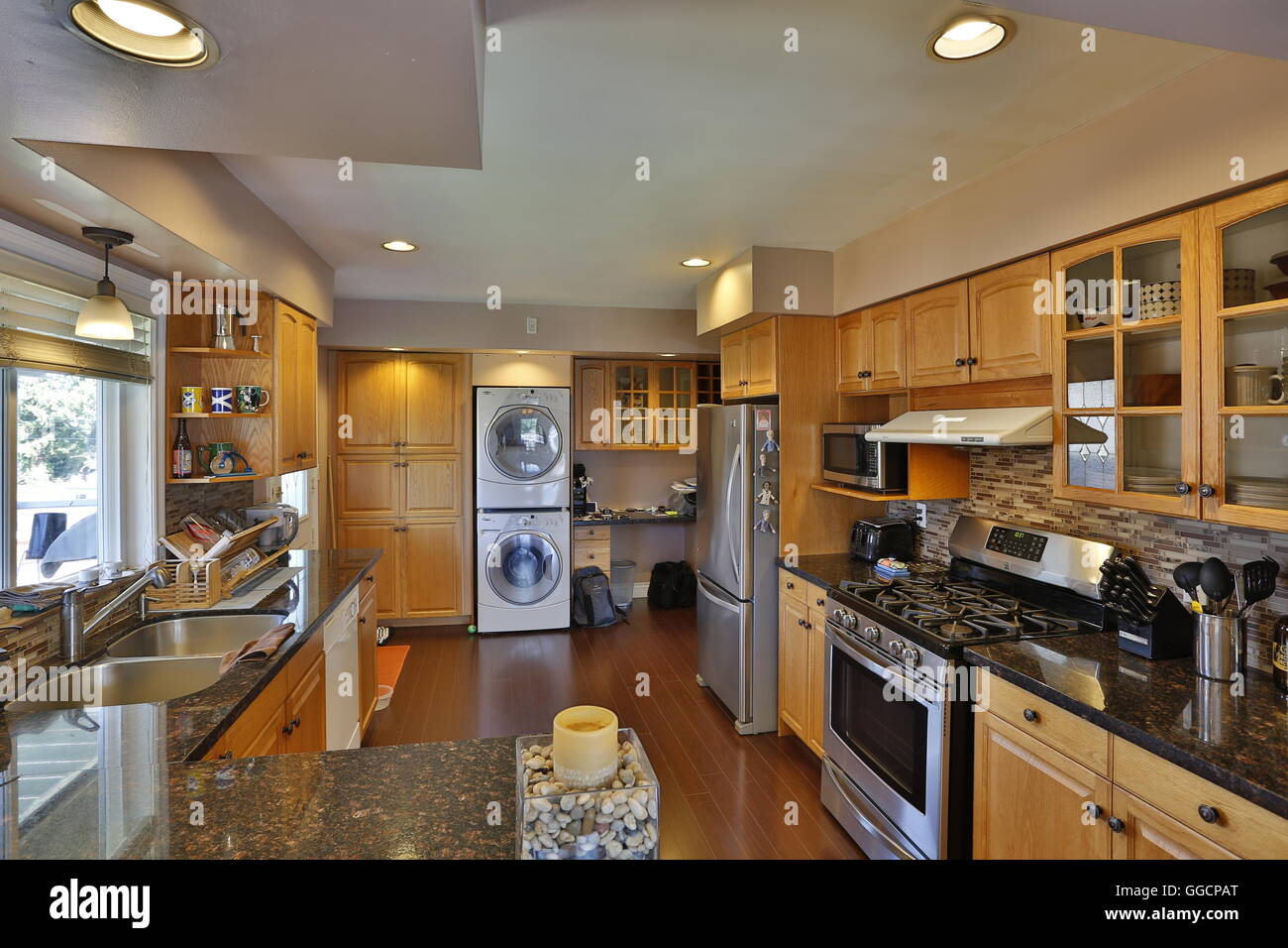 Luxuriöse moderne Küche Innenarchitektur Sanierung Stockfoto, Bild ...