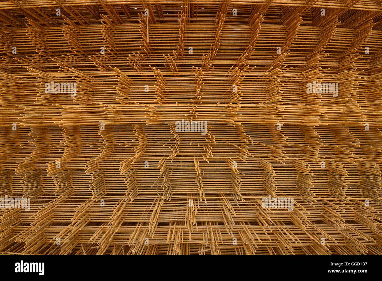 Ein Stapel von Betonstahl Netz zu stärken Stockbild