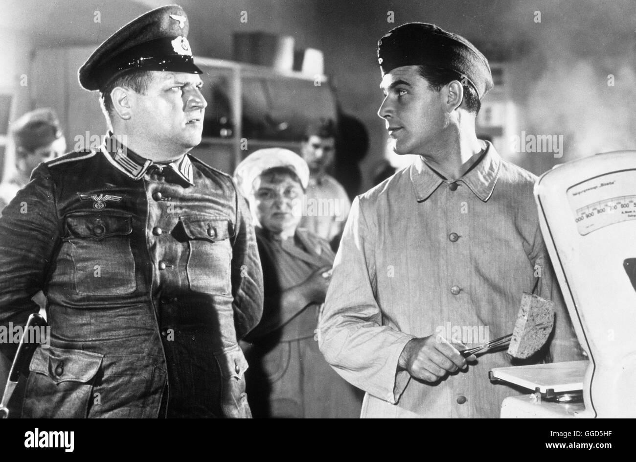 08/15 / 1. Teil BRD 1954 / Paul kann Als Einer der edierte Deutschen Filmerfolge der Fünfziger Jahre vergoldet Stockbild