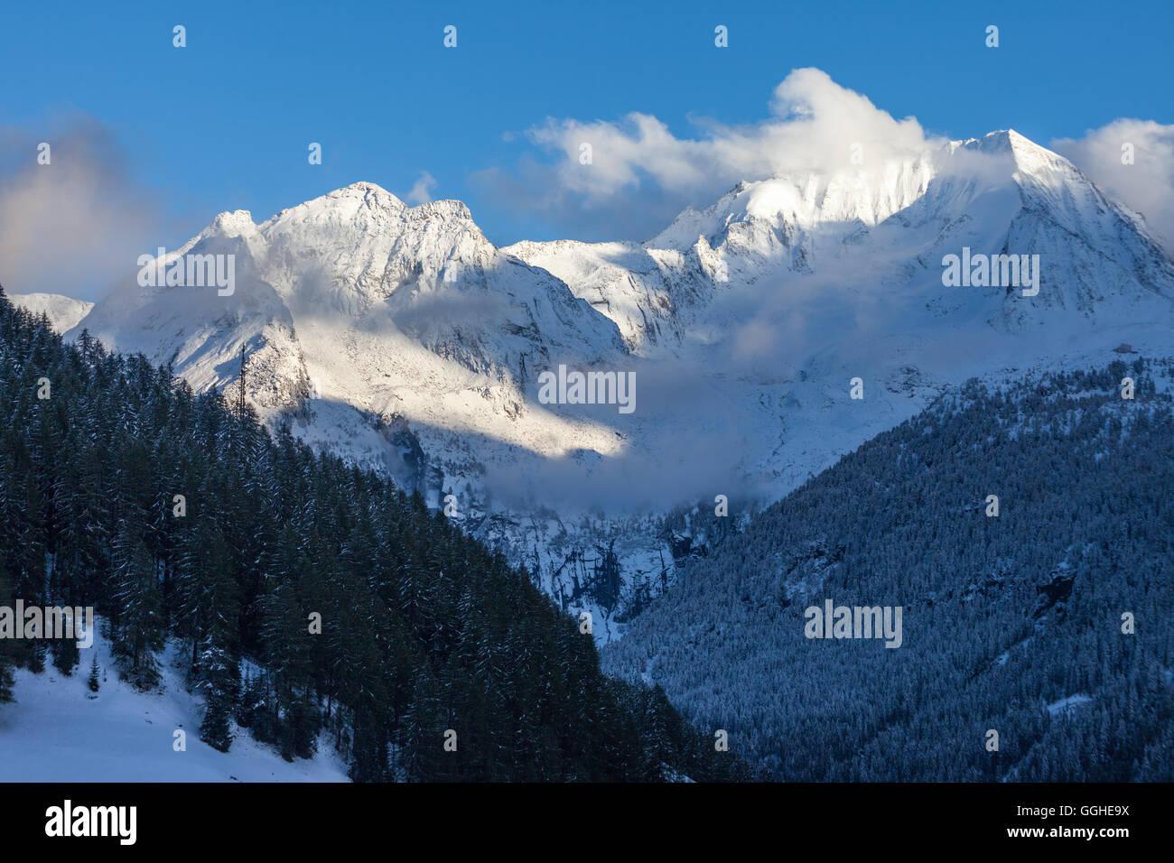 Blaue Stunde Im Reintal Stockbild