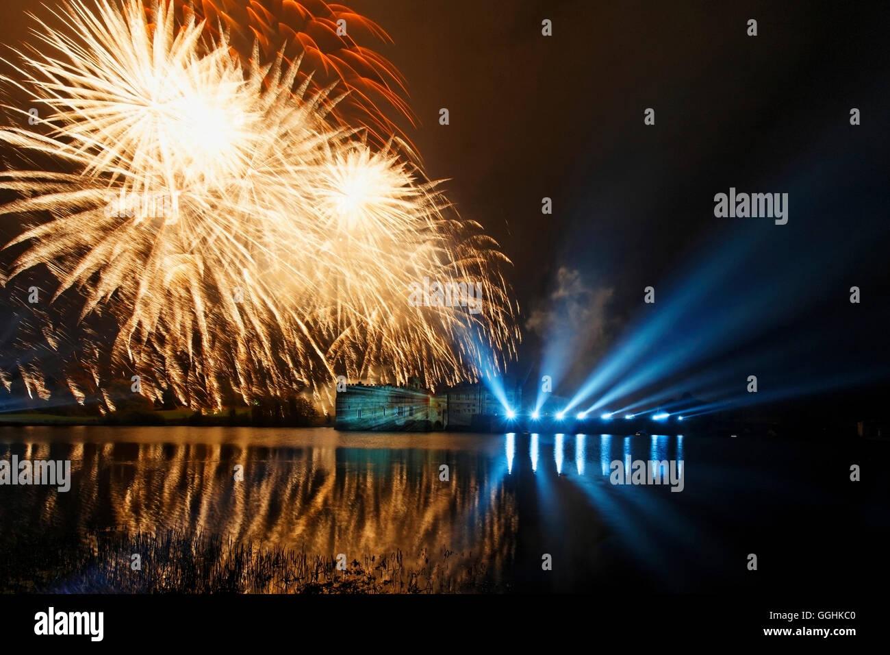 Feuerwerk am Leeds Castle, Maidstone, Kent, England, Großbritannien Stockbild