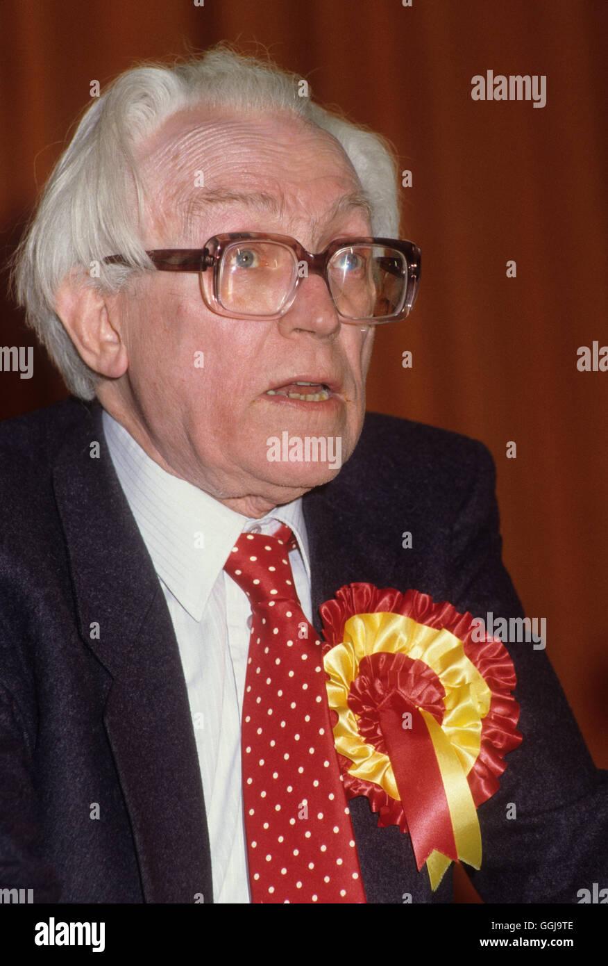 Michael Fuß Arbeits-Wartungstafel party treffen Birmingham UK 1982 HOMER SYKES Stockbild