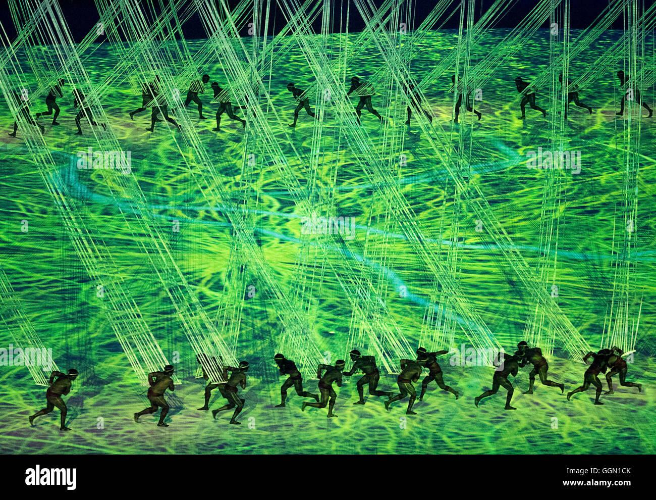 Rio De Janeiro, RJ, Brasilien. 5. August 2016. XXXI Olympischen Spiel OPENING CEREMONY: Interpreten teilnehmen an Stockbild